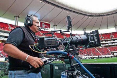 Profeco investigará cambios en contrato de Chivas TV
