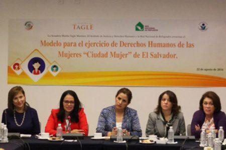 Integrar política de Estado en favor de la mujer, propone Cristina Díaz