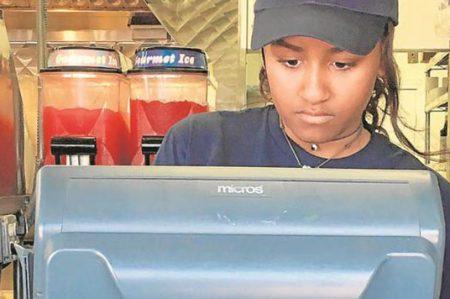 Sasha Obama trabaja en un restaurante en Massachusetts