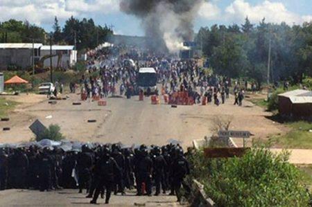 Atacan a maestros de la CNTE; uno muere