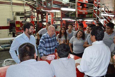 Estudiantes de la UTTN visitan periódico Hora Cero