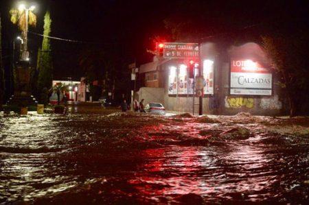 Declaran emergencia extraordinaria en Durango por lluvias