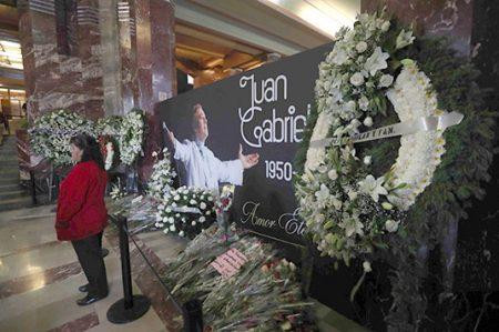 Suman 600 mil visitas en homenaje a Juan Gabriel