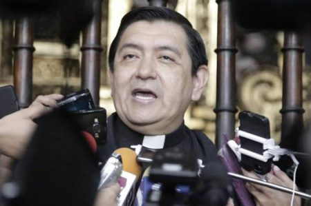Gobierno de Duarte busca deslindarse de asesinatos de curas: Iglesia