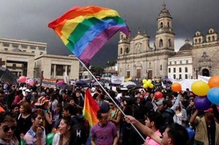 Iglesia ve en activistas homofobia y odio religioso