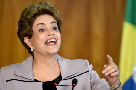 Me atacaron a mí y ahora atacan a Lula: Dilma