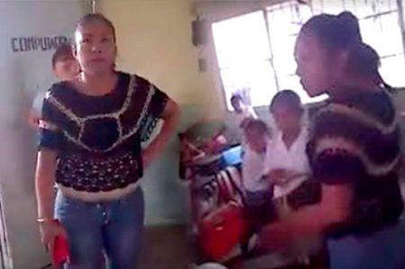Profesor que grabó a #LadyLibros pide cambio de adscripción