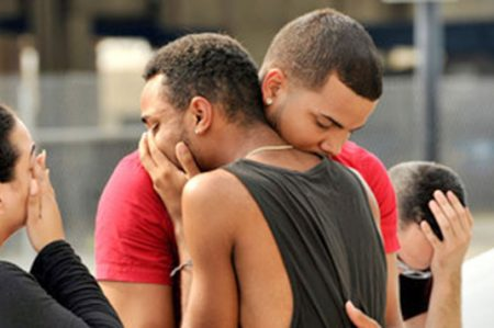 Comunidad gay aterrorizada con Trump; ocho se han suicidado
