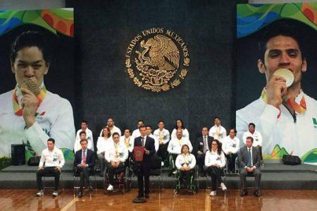 Peña reconoce logro de atletas paralímpicos en Río 2016