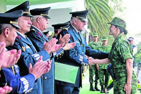 Sedena hace homenaje a medallistas