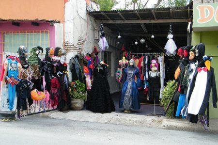 Comercios listos para ventas de Halloween