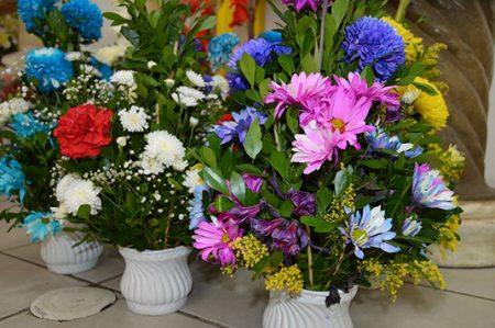 Floristas listos para el Día de Muertos
