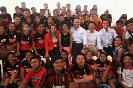Abren Centro Poder Joven en el deportivo municipal de la zona norte