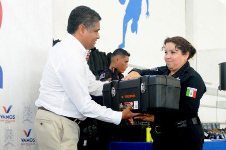 Entregan equipo para Policía por 3 millones 460 mil pesos