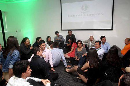 Heineken beca a doce jóvenes para estudiar en el ITESM