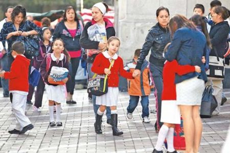 Flexibilizan calendario escolar en el país