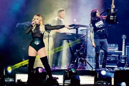 Demi Lovato trae el futuro a sus fans