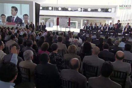 Pese a desaceleración en el mundo, México crece, afirma Peña Nieto