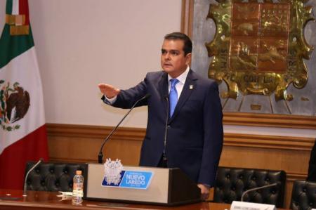 Enrique Rivas Cuellar se asume como presidente municipal de Nuevo Laredo