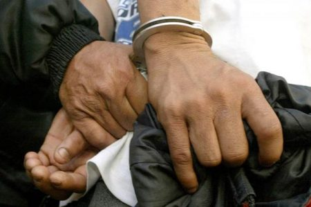 Detienen a funcionario por presunta extorsión en Hidalgo