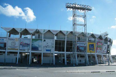 Abandonado y vandalizado luce el parque de beisbol 'Adolfo López Mateos'