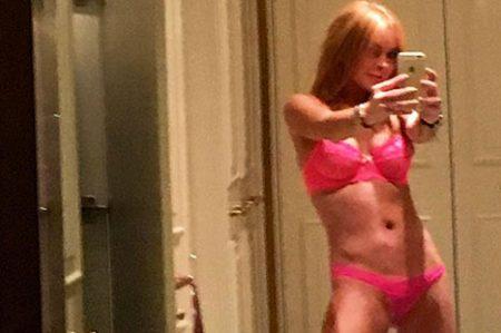 Lindsay Lohan comparte foto en lencería