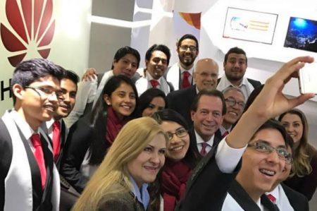 Huawei beca a estudiantes mexicanos