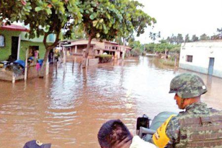 Lluvias en Guerrero causan daños en viviendas y muerte de ganado