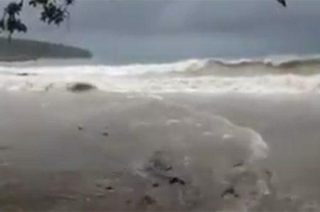 'Otto' toca tierra en Nicaragua; esperan se degrade a tormenta