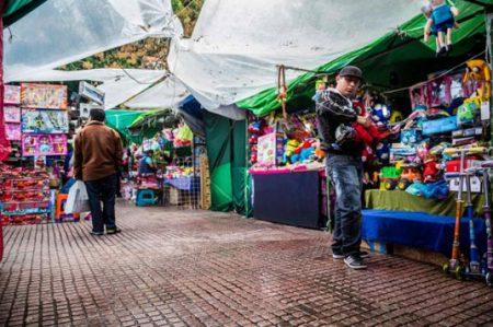 Economía informal generó el 57.9% del empleo en 2015