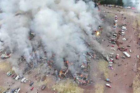 Tras tragedia en Tultepec cunde venta oculta de pirotecnia