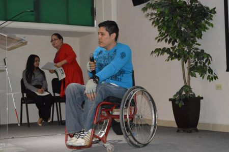 Piden jóvenes con discapacidad más inclusión en la academia
