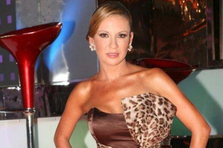 Ingrid Coronado sufre caída en 'Venga la alegría'