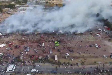 Mujer entra en labor de parto por explosión en Tultepec