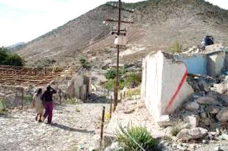 Desalojan a pobladores de Zacatecas por una falla geológica