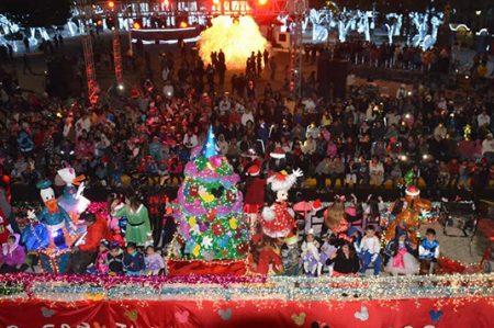 Luz y magia en el desfile navideño