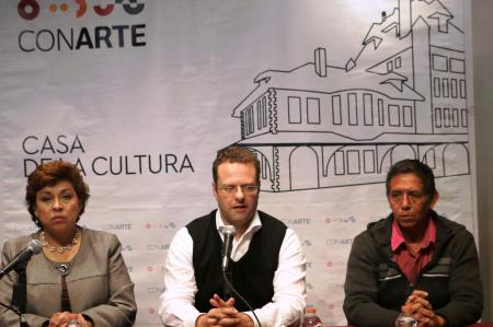 Asume Margarito Cuéllar Centro de Escritores de Nuevo León