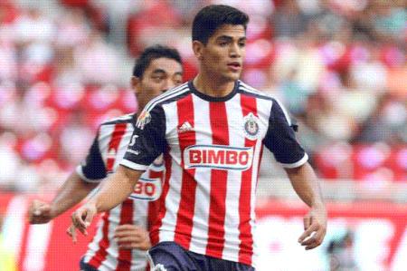 Con gol del 'Chapo' Sánchez, Chivas gana en Querétaro