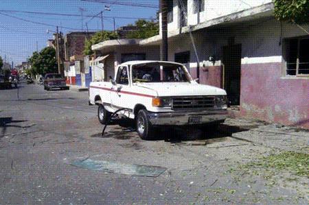 Explosión de polvorín deja tres lesionados en Michoacán
