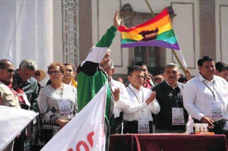 'La tercera es la vencida', dice AMLO en Morelia