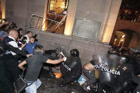 Más de 300 detenidos por saqueos en NL
