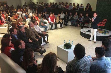 Cristina Díaz acude a Conversatorio con Jóvenes priistas de Nuevo León