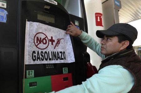 Piden recortes a Federación para revertir el gasolinazo
