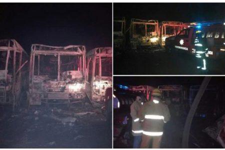 Se incendian unidades de transporte colectivo en Morelos