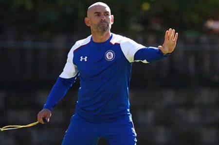 Paco Jémez busca pitar por vez primera como maquinista Azul