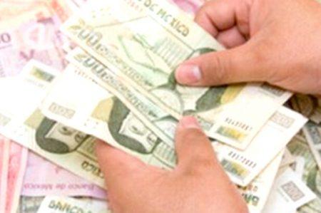 Empresarios amagan con subir precios