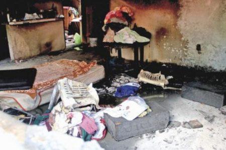Matan a tiros a mujer y a su hija; queman su vivienda