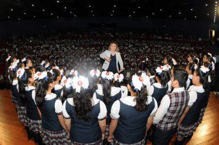 Premian a escolares por mejor interpretación del Himno de San Nicolás