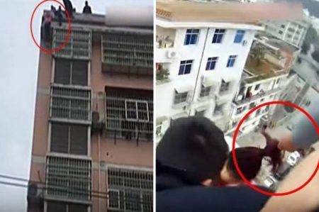 Hombre salva en pleno salto a esposa que intentaba suicidarse