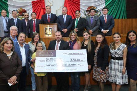 Entrega Congreso donativo a Fundación Padre Infante
